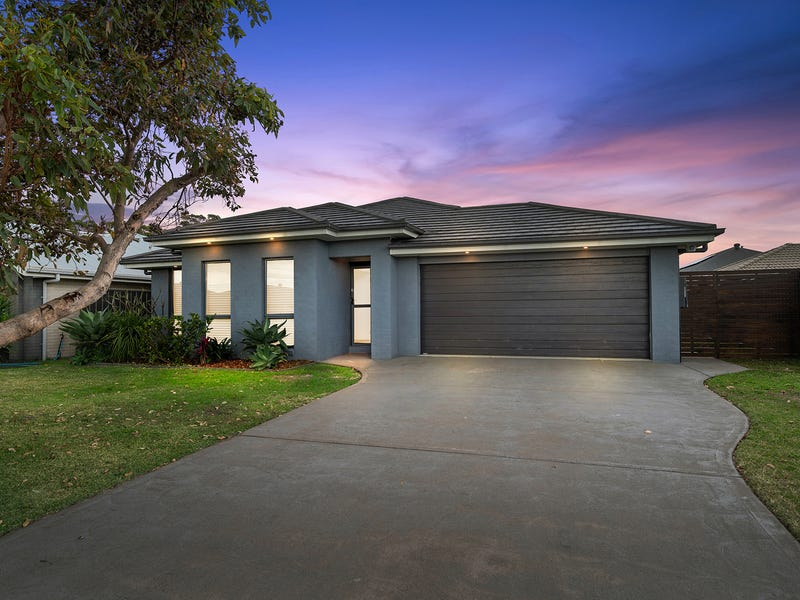 5 Water Street, Fern Bay, NSW 2295
