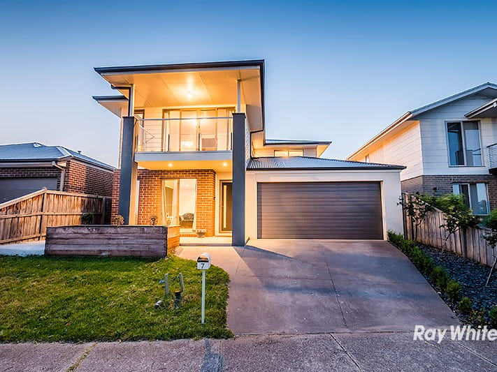 7 Maeve Circuit, Clyde North, Vic 3978