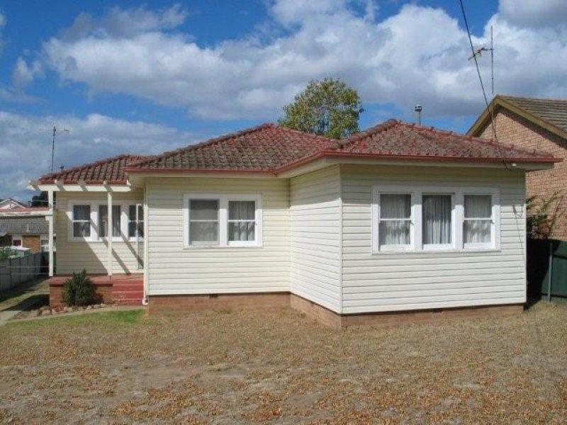 15 GODFREY STREET, Goulburn, NSW 2580