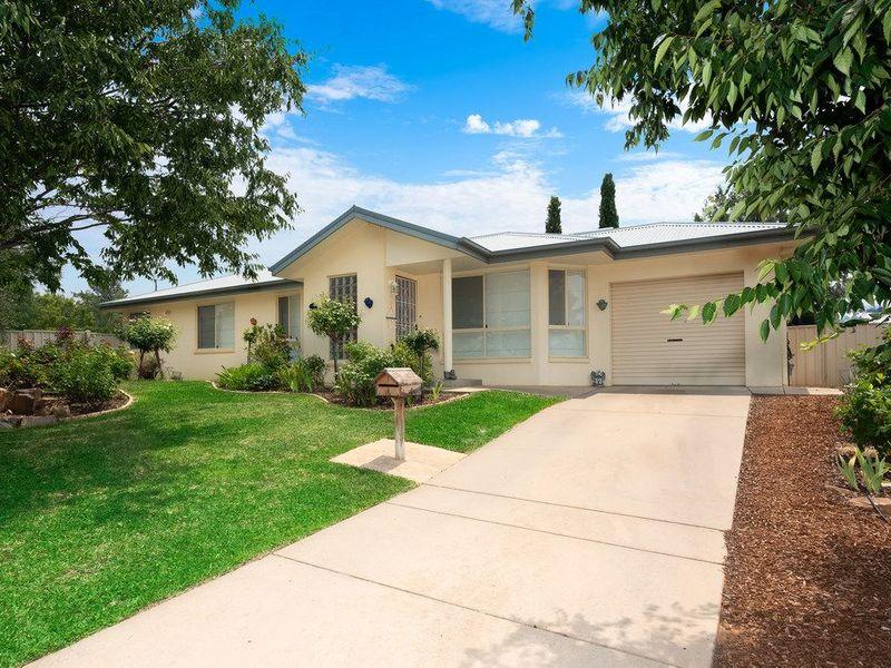 4 Skiff Place, Estella, NSW 2650