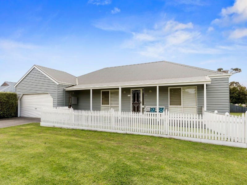 35 Victoria Crescent, Safety Beach, Vic 3936