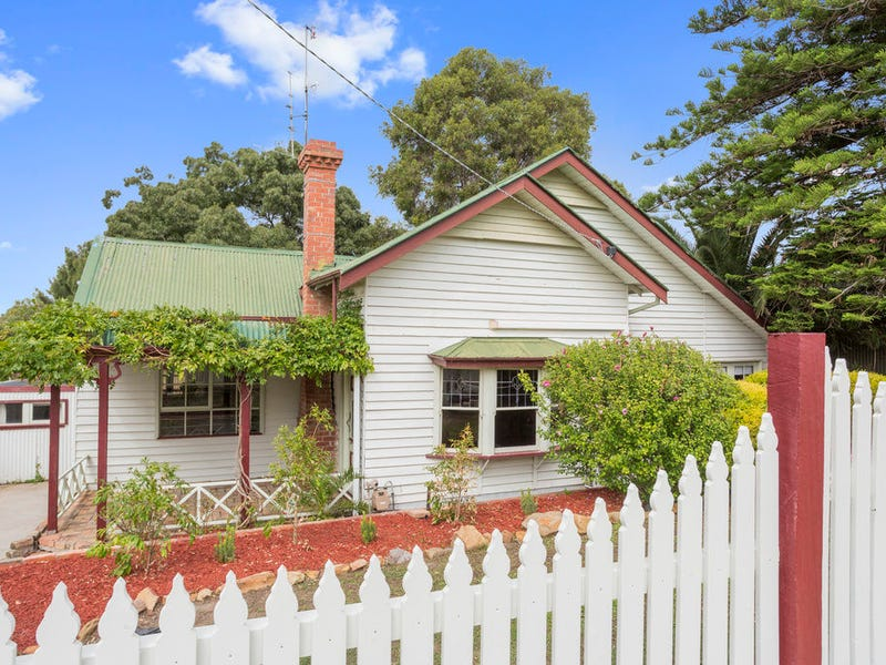 17 Harkness Street, Quarry Hill, Vic 3550