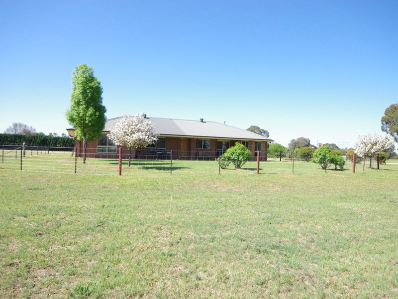 10 Mary Road, Cowra, NSW 2794