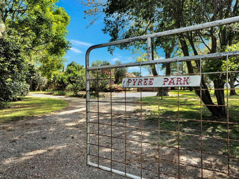 813 Greenwell Point Road, Pyree, NSW 2540