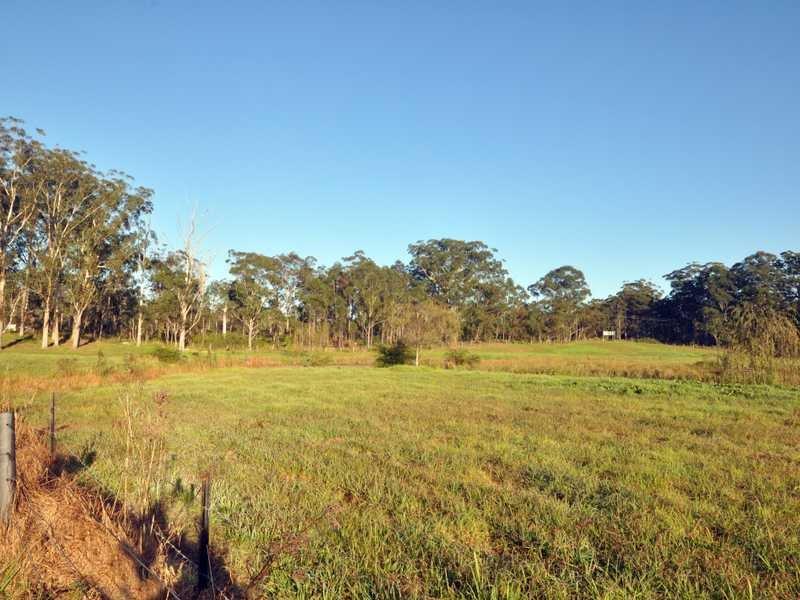 51 Old Coach Rd, Limeburners Creek, NSW 2324