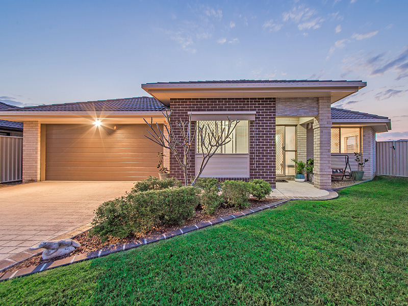 8 Venn Court, Wynnum West, Qld 4178