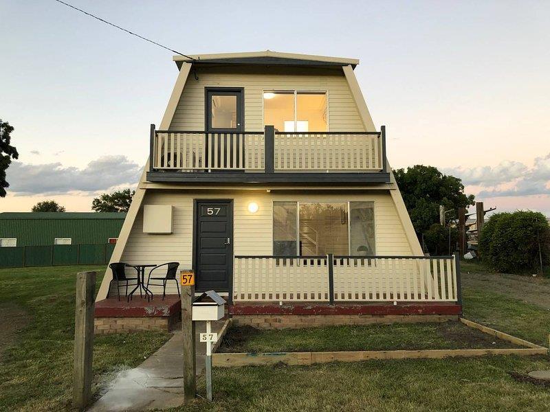 57 Rowan Avenue, Uralla, NSW 2358