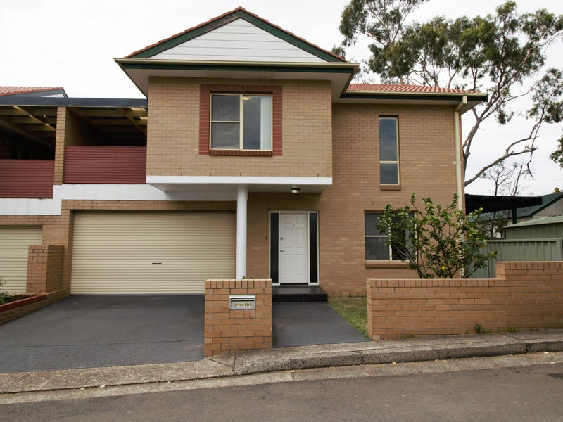 2/104 Holt Street, Sylvania, NSW 2224