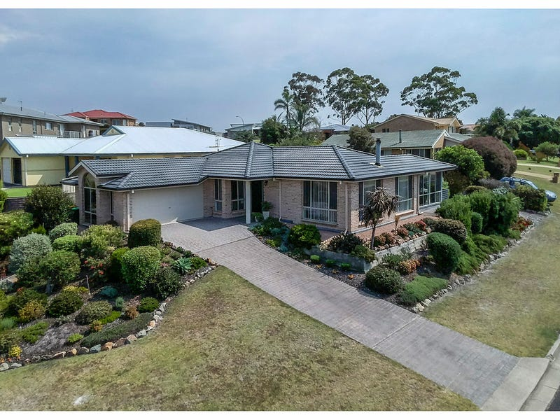 1 The Grove, Tura Beach, NSW 2548