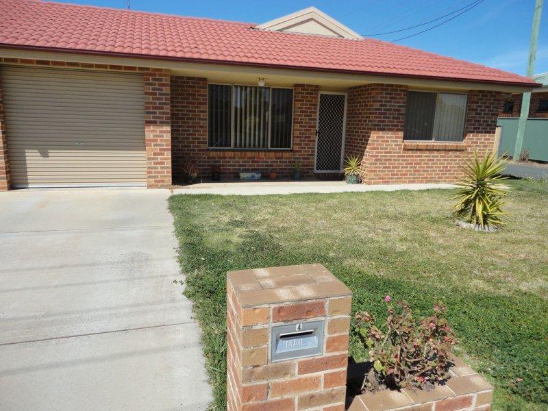 Unit 4, 90 Parkes Street, Temora, NSW 2666