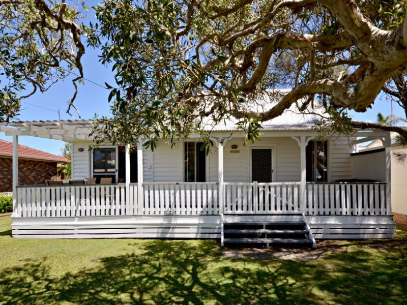 14 Ford Street, Red Rock, NSW 2456