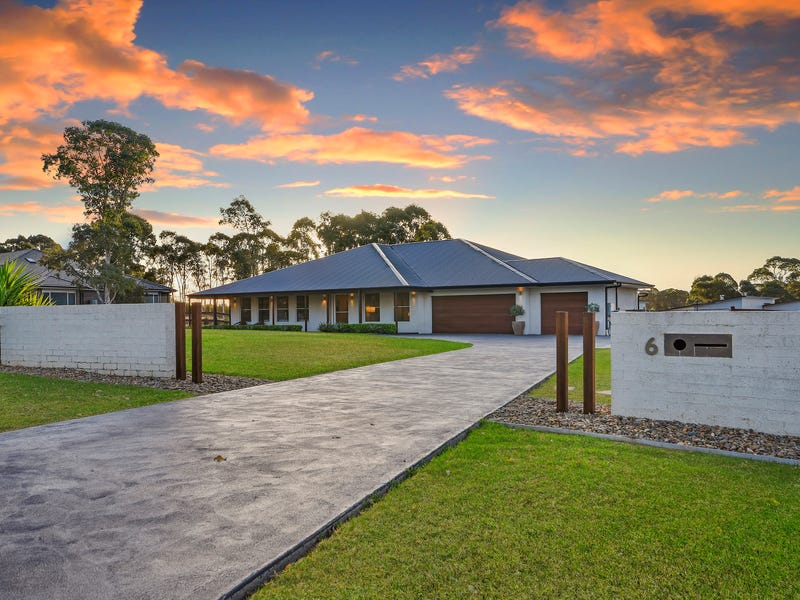 6 Pennard Crescent, Luddenham, NSW 2745