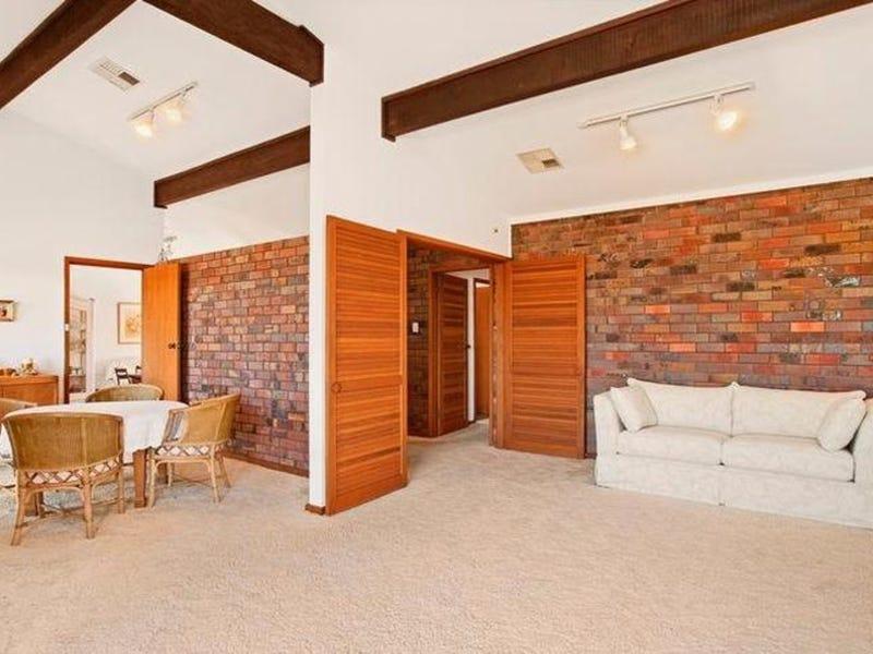 10 Winterlake Road, Warners Bay, NSW 2282