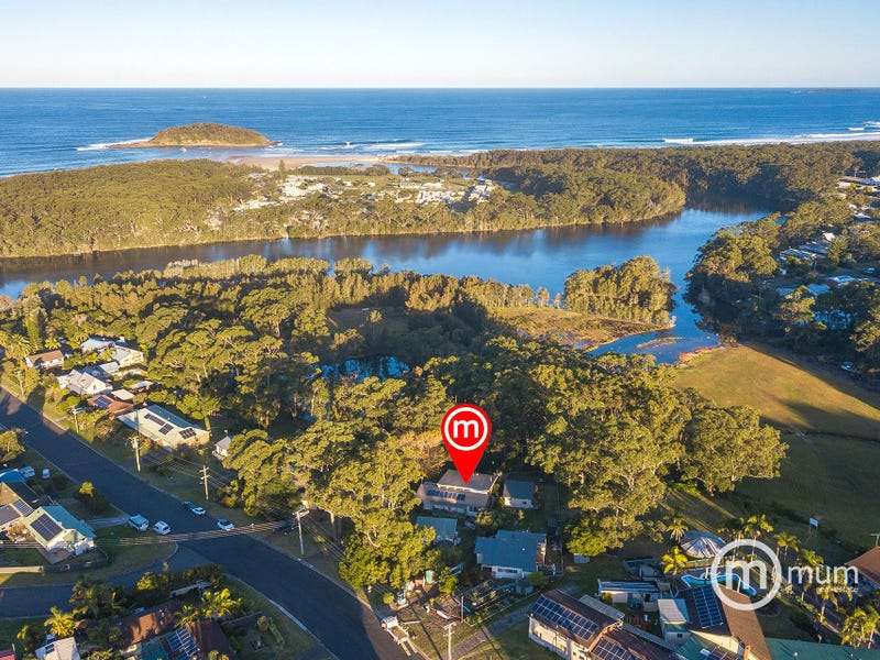 15 Weymouth Road, Lake Tabourie, NSW 2539