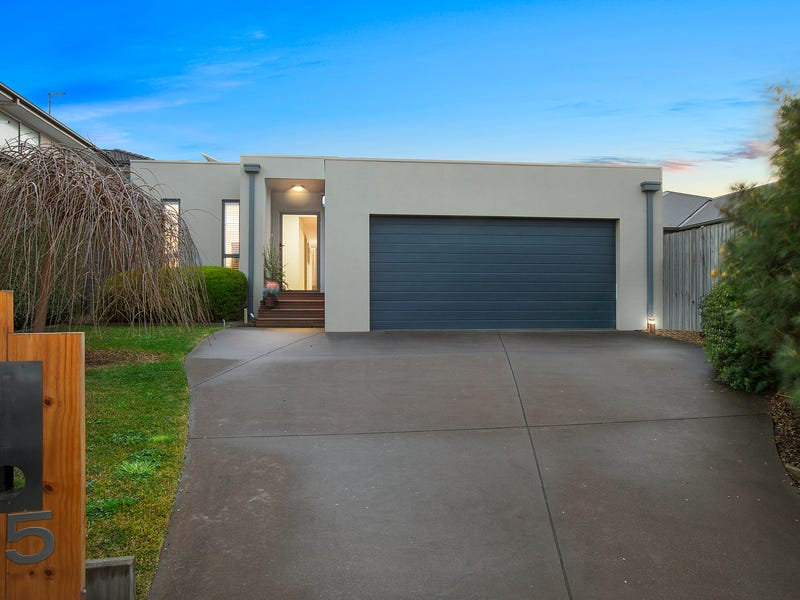 15 Baden Powell Place, Mount Eliza, Vic 3930