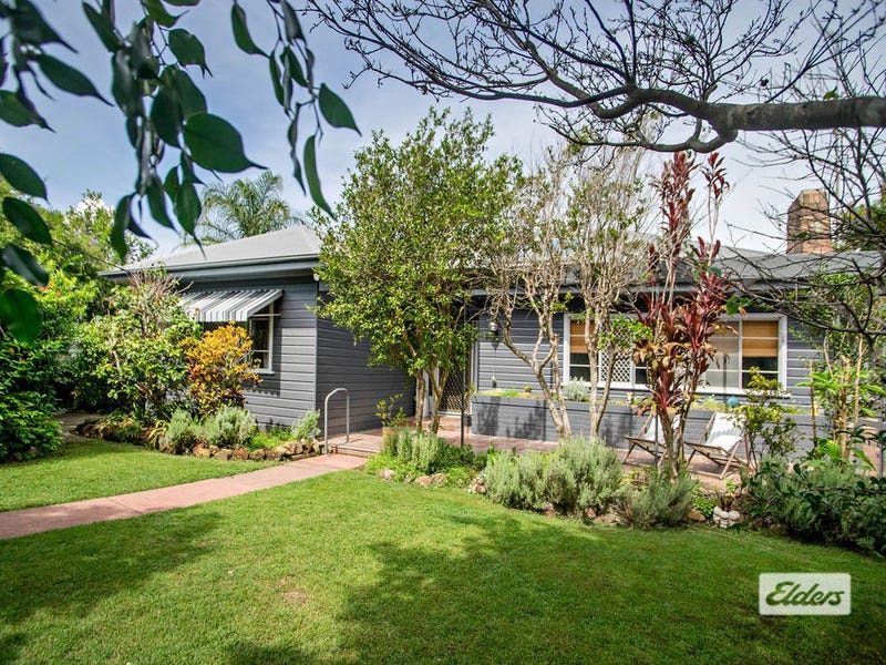 10 Hinten Crescent, Taree, NSW 2430