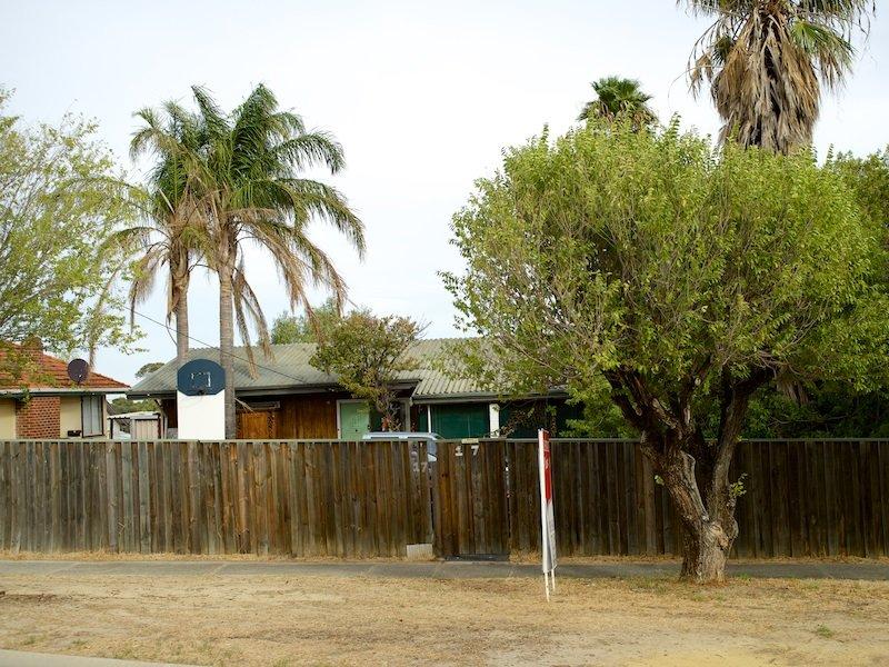 17 Jinda Road, Koongamia, WA 6056