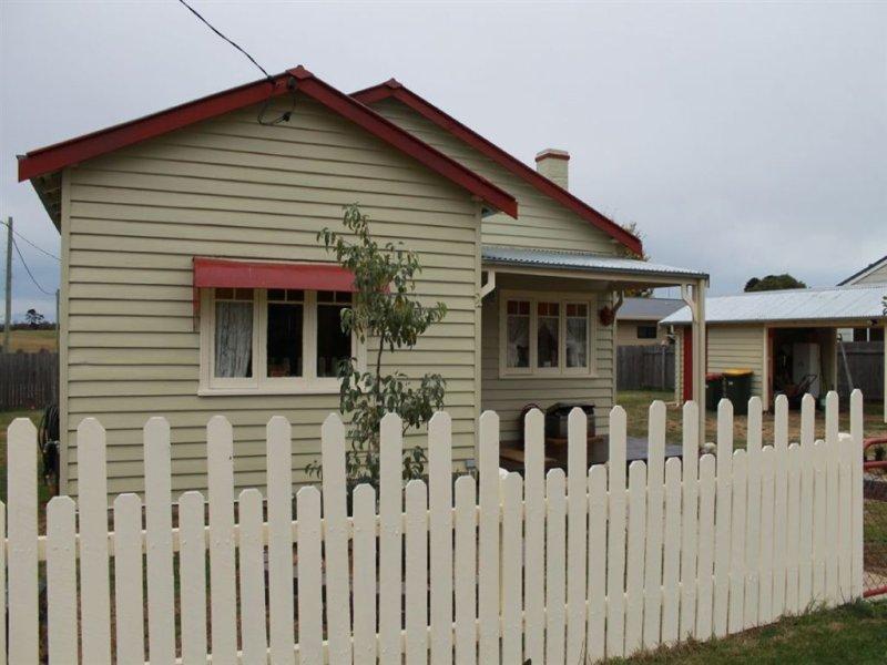2 Coronation Ave, Braidwood, NSW 2622