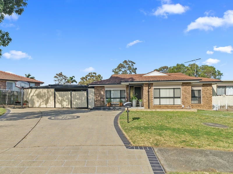 8 Weipa Close, Green Valley, NSW 2168