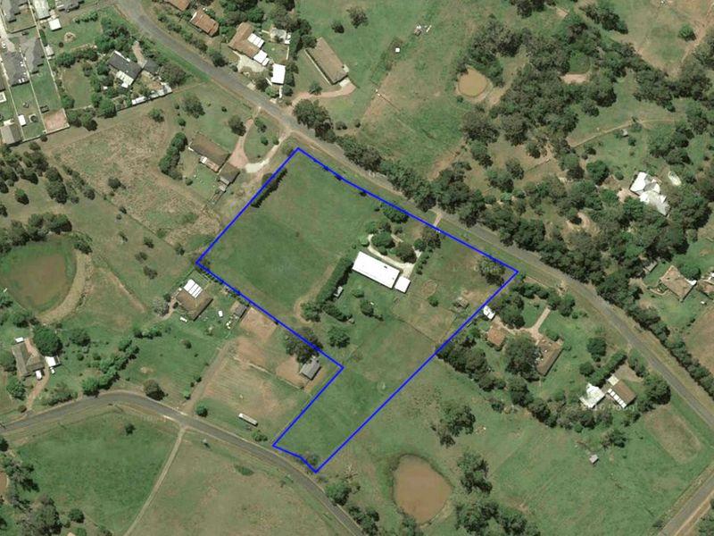 90 Myrtle Creek Avenue, Tahmoor, NSW 2573