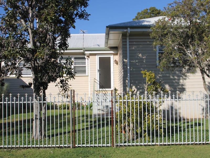 4 Duncraggon Street, South Toowoomba, Qld 4350
