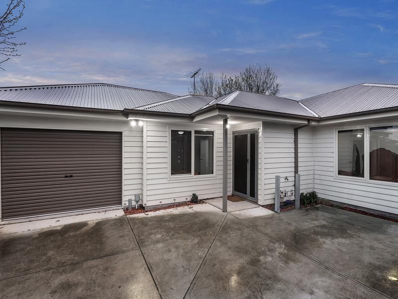 2/7 Laurie Avenue, Sunshine North, Vic 3020
