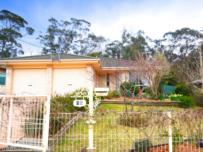 15 Palmer Crescent, Blackheath, NSW 2785