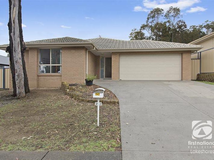 242 Johns Road, Wadalba, NSW 2259