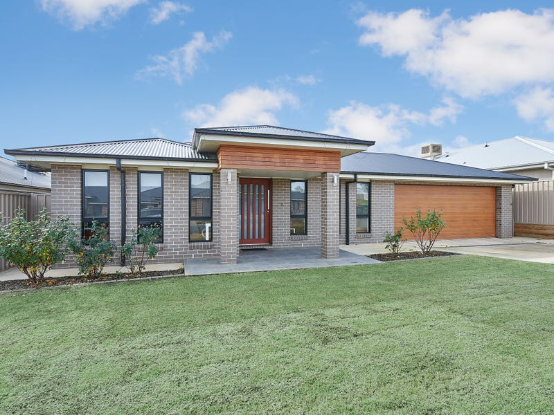 18 Darcy Drive, Boorooma, NSW 2650