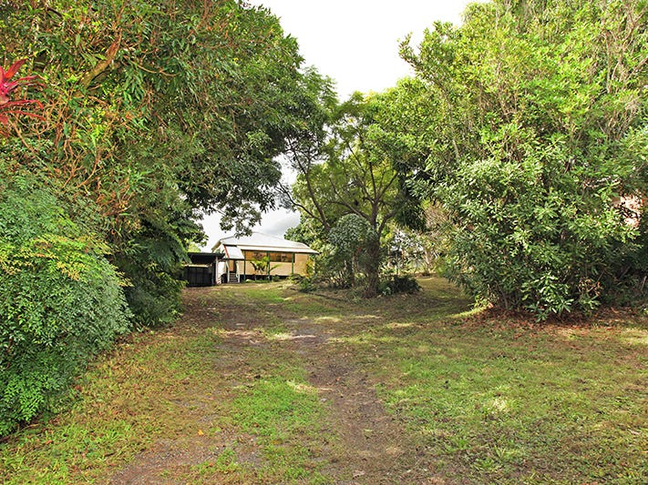22 MOUNT PLEASANT ROAD, Nambour, Qld 4560