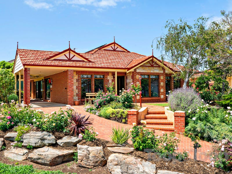 13 Tigress Drive, Hallett Cove, SA 5158