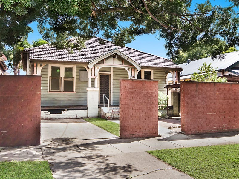 34 Kitchener Parade, Mayfield East, NSW 2304