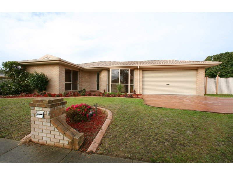 8 Manhatten Terrace, Rowville, Vic 3178