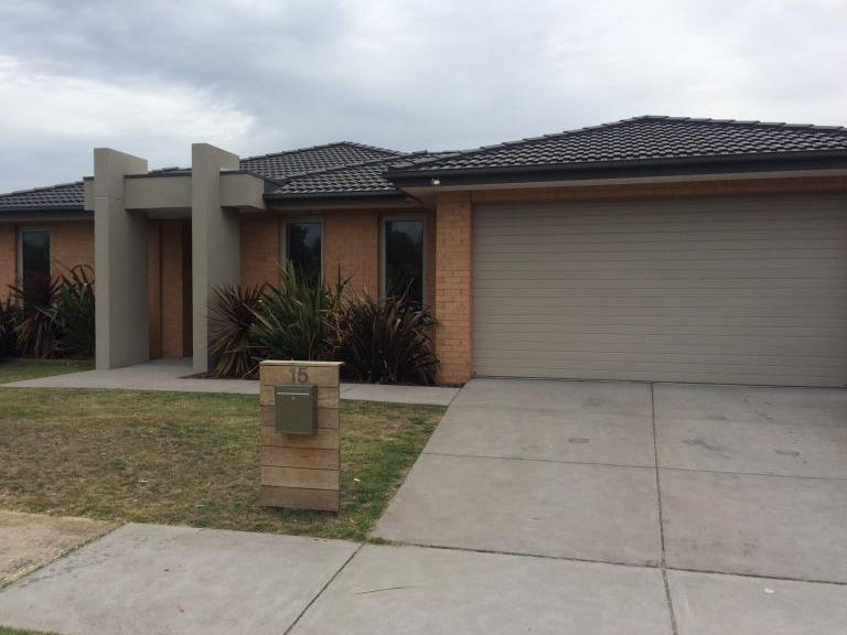 15 The Parkway, Patterson Lakes