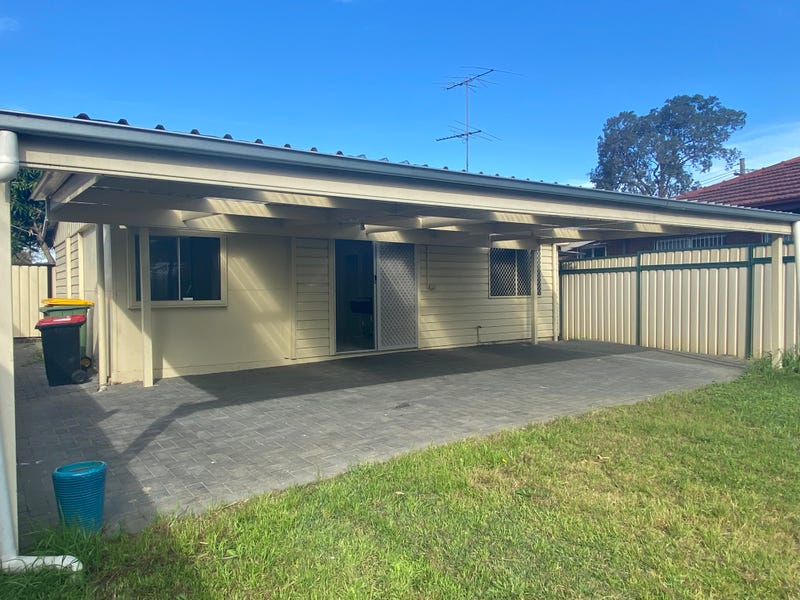 239 Henry Lawson Drive, Georges Hall, NSW 2198