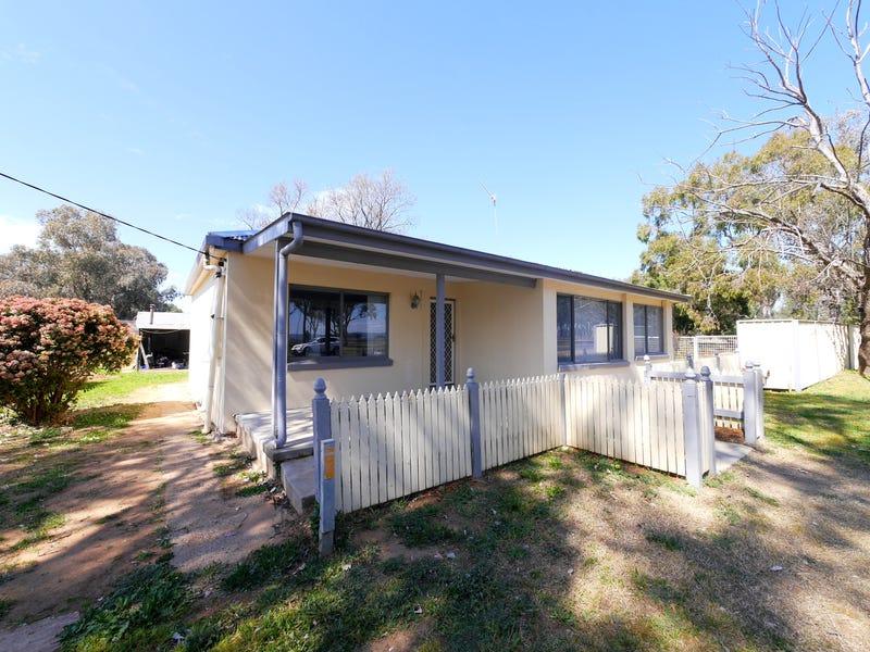 4 Graham Street, Cowra, NSW 2794