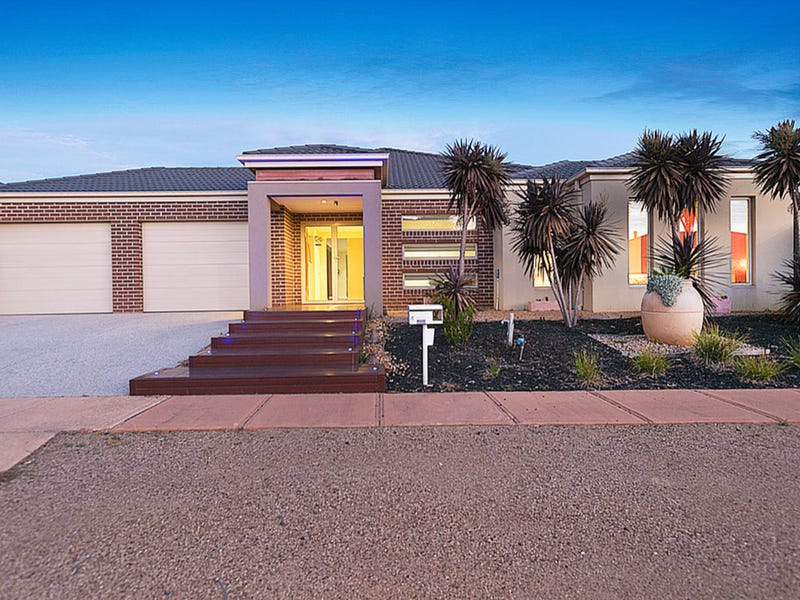 4 Niland Crescent, Point Cook, Vic 3030