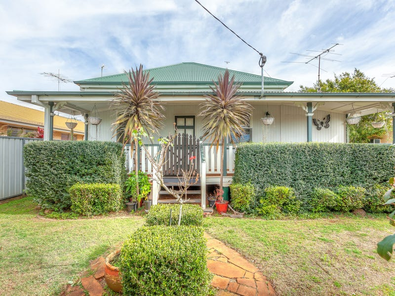19 Ranfurly Street, Newtown, Qld 4350