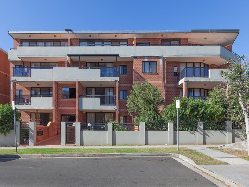 13/7-11 Kitchener Avenue, Regents Park, NSW 2143