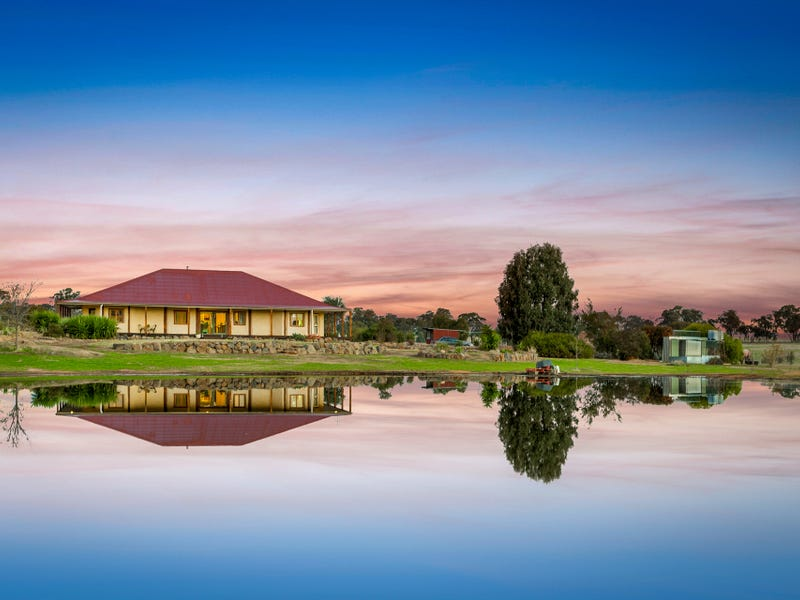 409 Schoolhouse Lane, Knowsley, Vic 3523