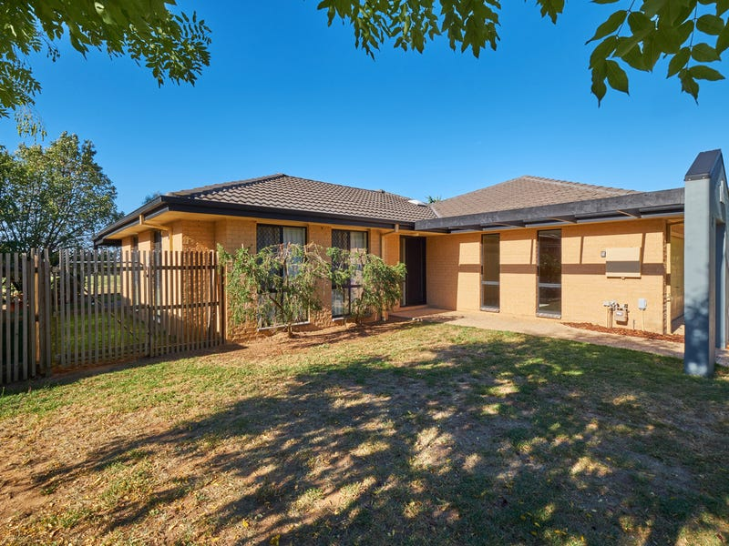 3/121 Streeton Drive, Stirling, ACT 2611