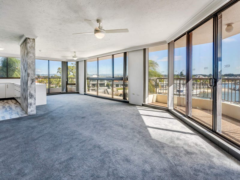 15/5 Admiralty Drive, Paradise Waters, Qld 4217
