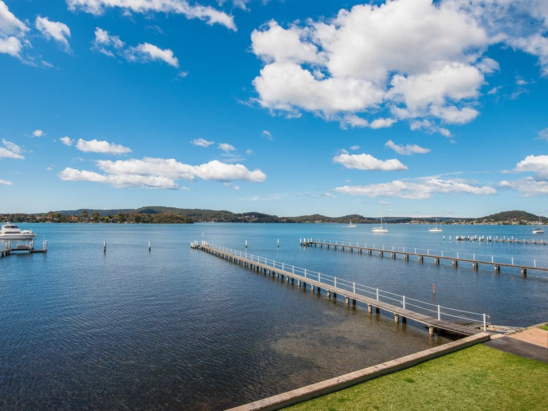 2/27 Kurrawa Avenue, Point Clare, NSW 2250