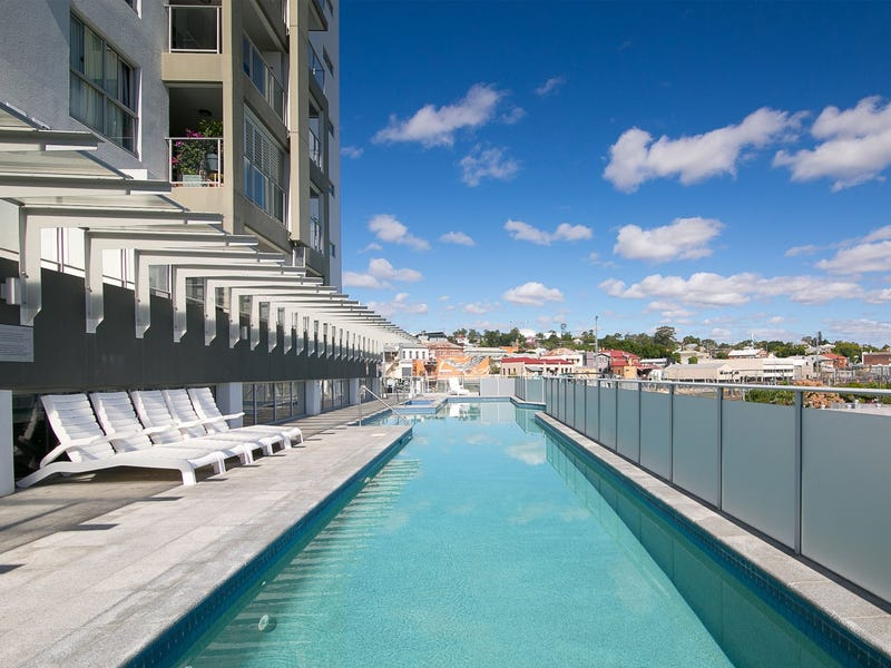 Unit 202/11 Ellenborough Street, Woodend, Qld 4305
