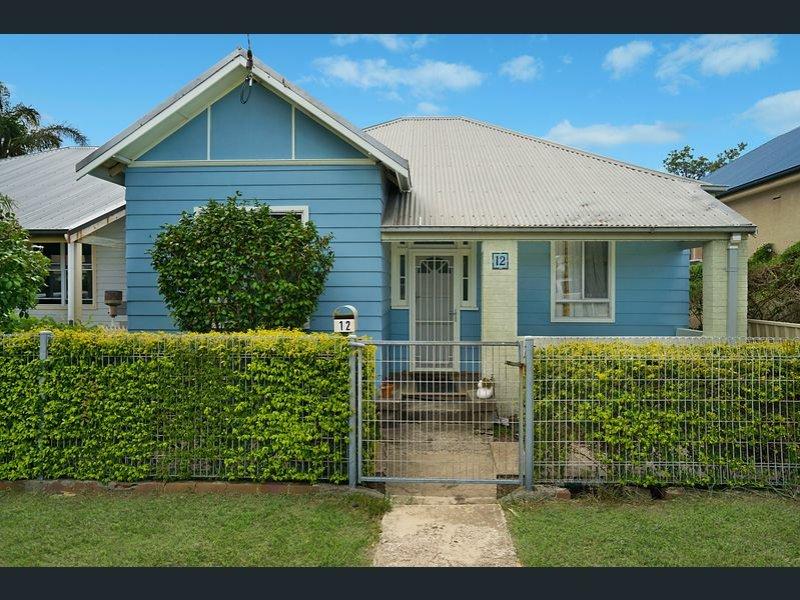 12 Crown Street, Stockton, NSW 2295
