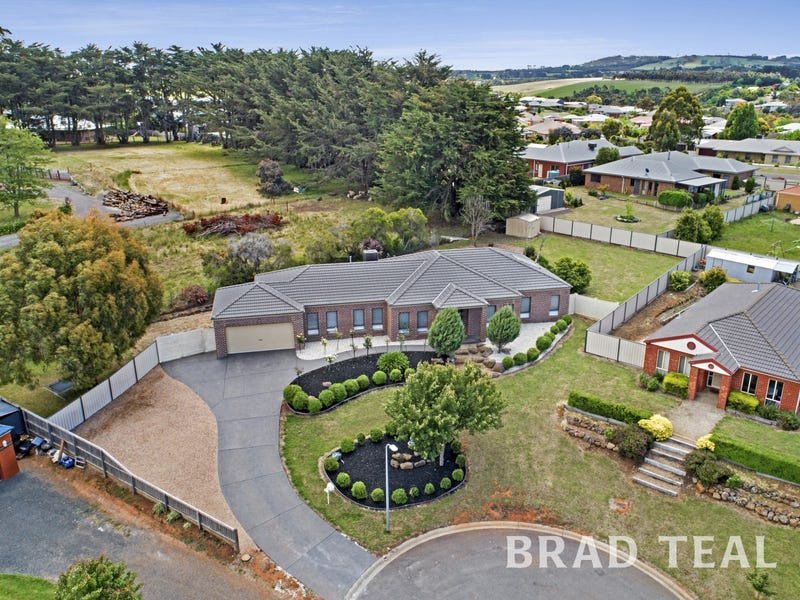 5 Boyd Court, Romsey, Vic 3434