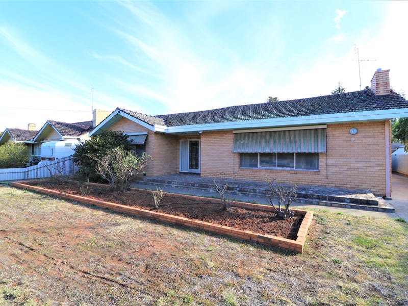 9 Armstrong Street, Boort, Vic 3537