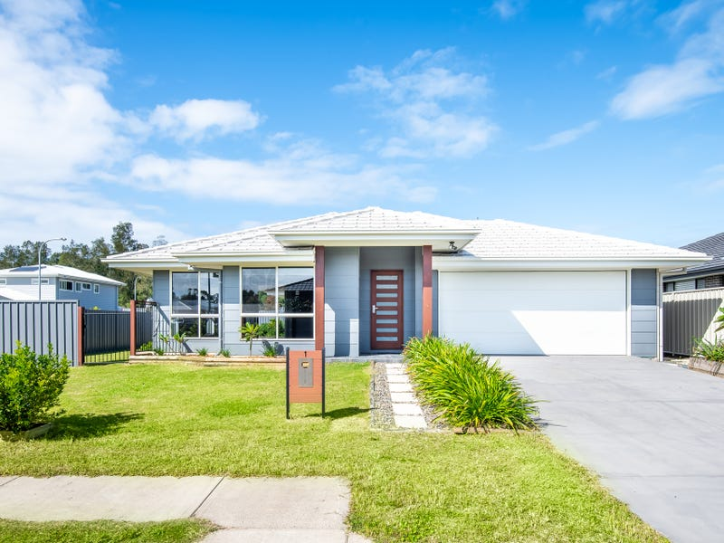 1 Serenity Bay Road, Emerald Beach, NSW 2456