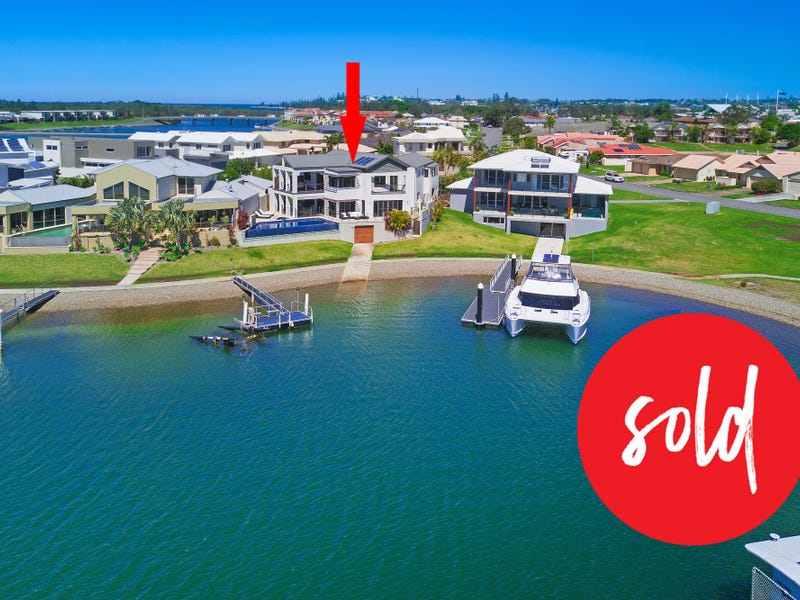 3 The Peninsula, Port Macquarie, NSW 2444