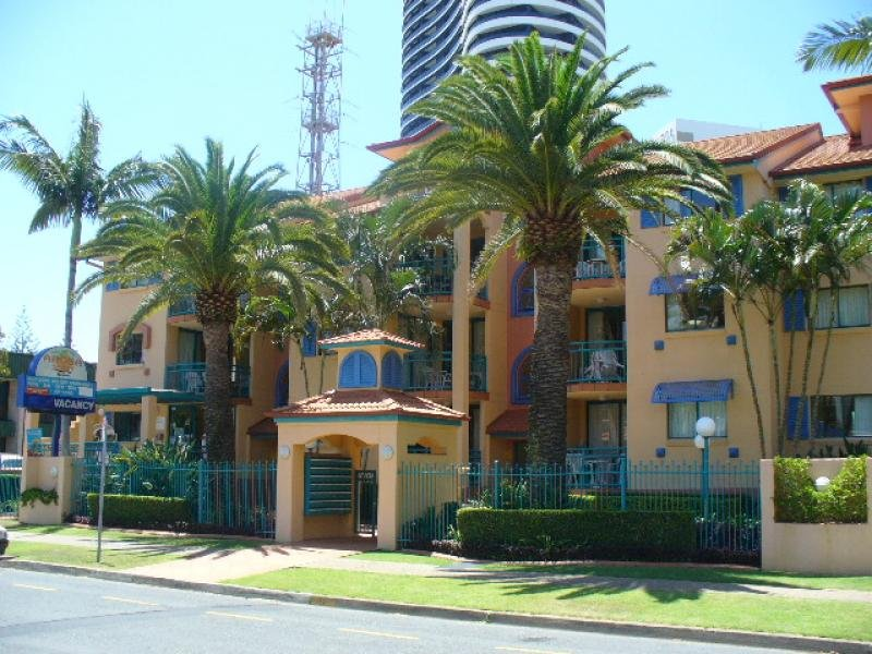 28/11 Philip Avenue, Broadbeach, Qld 4218